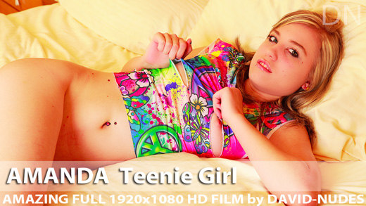 Play  Amanda Teenie Girl