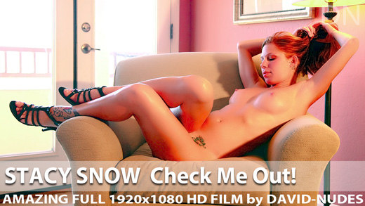 Play  Stacy Snow Check Me Out